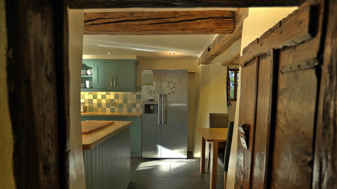 20 Townfoot Farmhouse, Troutbeck - Lake District, Dog-friendly holiday cottage - Kitchen with american fridge freezer-sqz