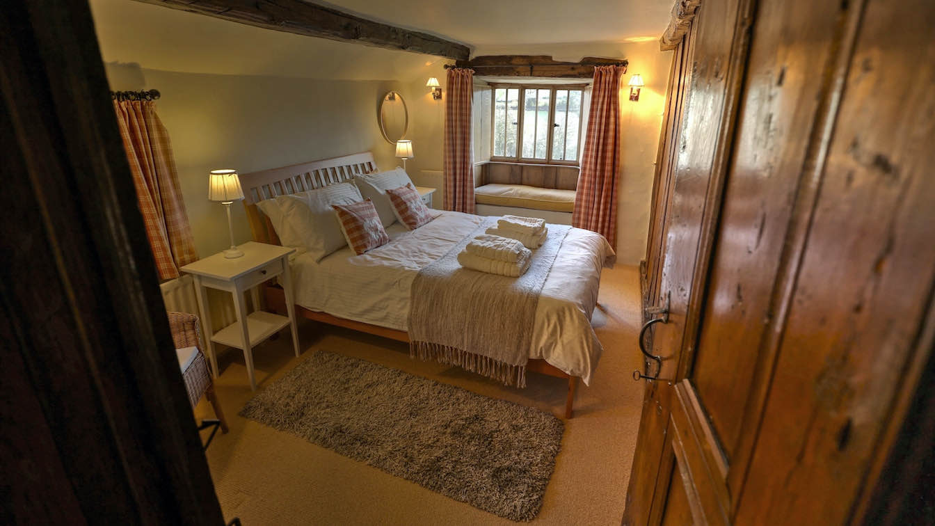 9 Townfoot Farmhouse, Troutbeck - Lake District, Dog-friendly holiday cottage - Bedroom 4 - First floor-sqz