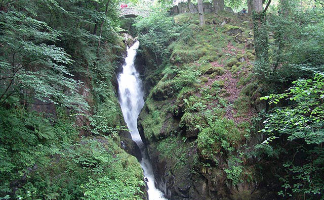 lake-district-cottages-aira-force-waterfalls